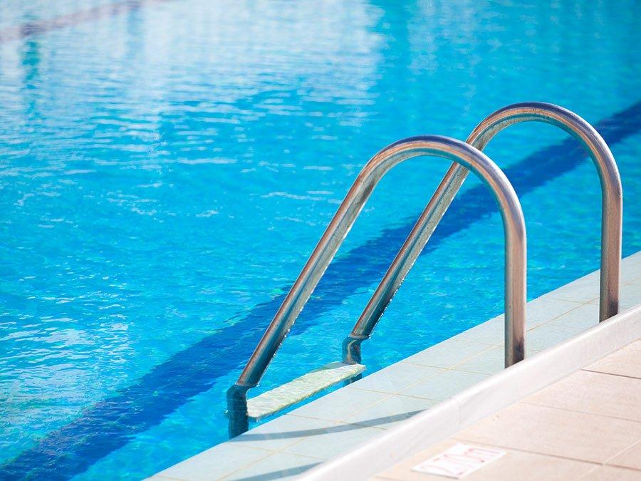 ¿Niños seguros en la piscina? Aquí os dejamos algunos consejos