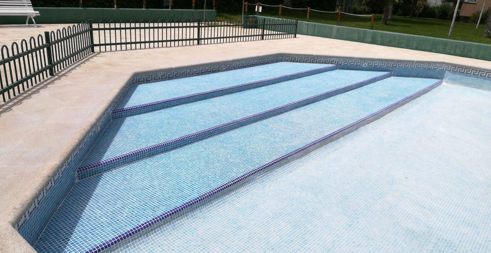 Cómo hacer tu piscina accesible para discapacitados y personas mayores
