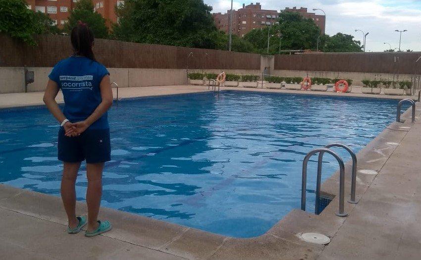 Principales cualidades y funciones de un socorrista de piscina