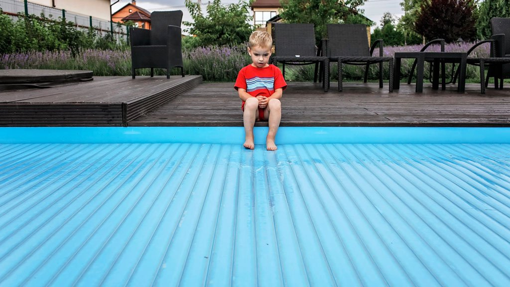 cobertor automatico piscina