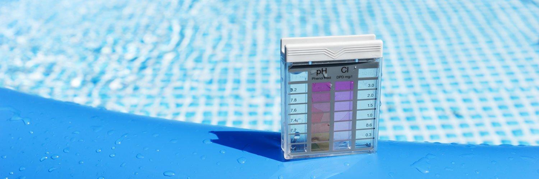 Mantén tu piscina en condiciones aptas para el baño con un medidor de cloro y ph