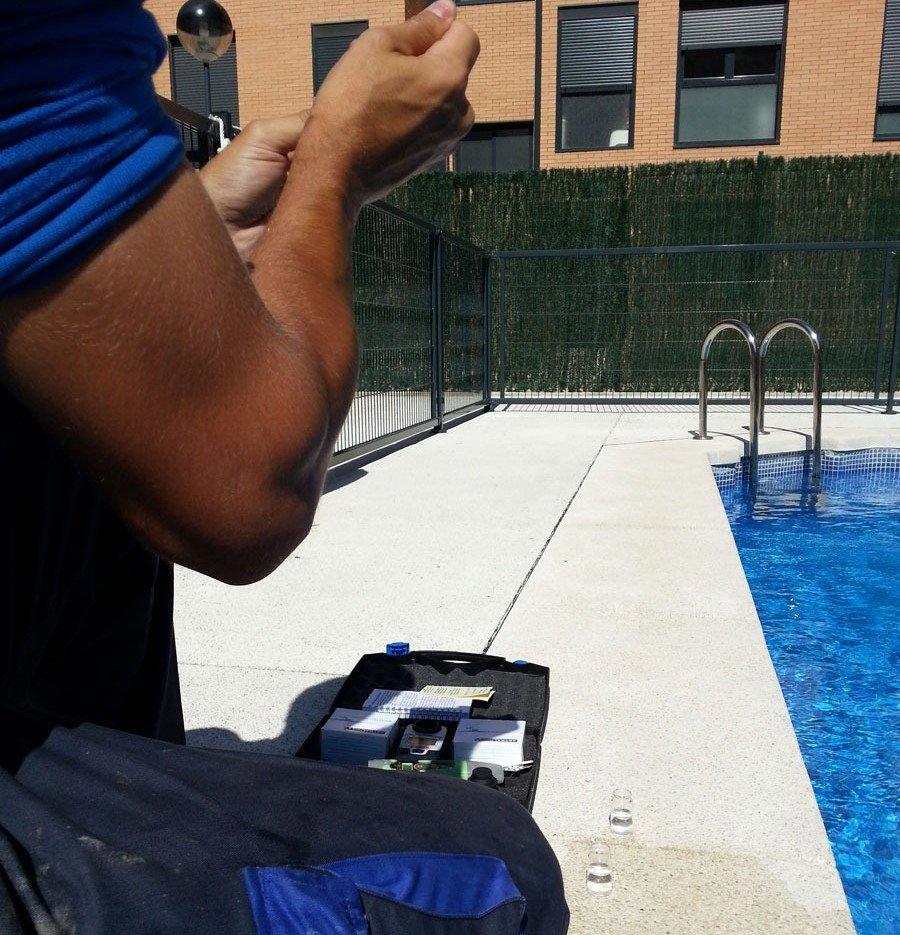 niveles de ph y cloro en piscinas