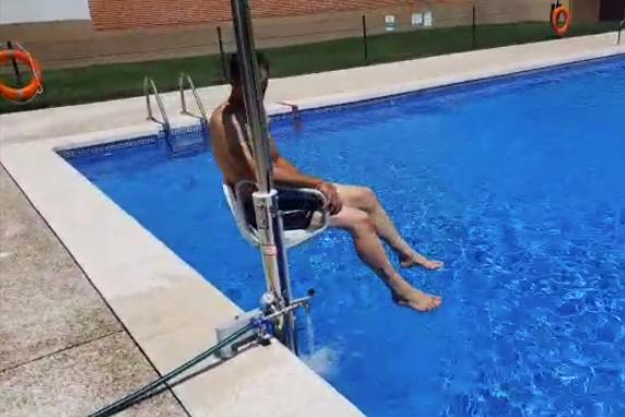 Principales características y beneficios de las sillas hidráulicas para piscinas